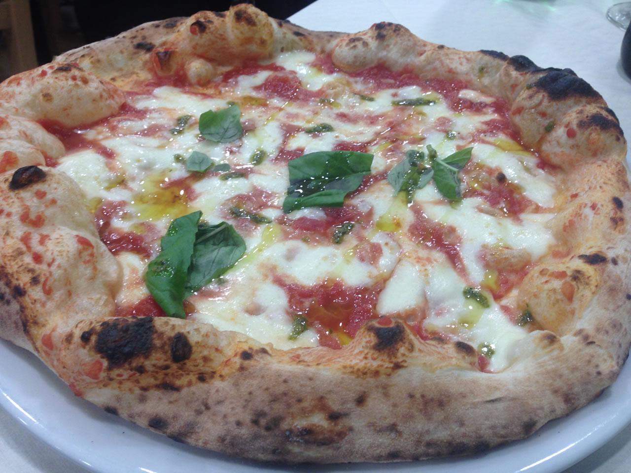 Pizzeria Le Parùle : l'arte della pizza napoletana