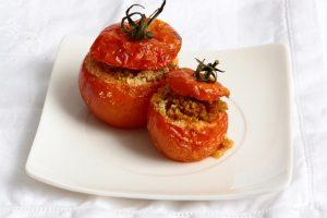 Pomodori ripieni con salsa al curry