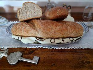 Pane rustico fatto in casa, ricetta semplice