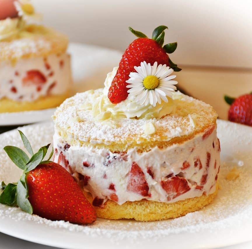 Torta panna e fragole: monoporzione